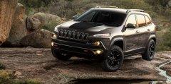 В сети появились фотографии обновленной версии Jeep Cherokee