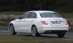 Концерн Mercedes-Benz завершил работы над модернизацией седана C200 EQ Boost
