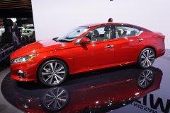 Концерн Nissan продемонстрировал новый седан бизнес класса