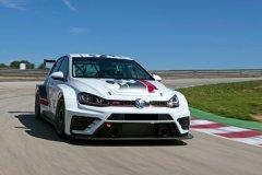 Концерн Volkswagen разработал топ-версию хэтчбека Golf GTI