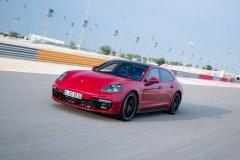 Внедорожники Porsche стали бестселлерами продаж