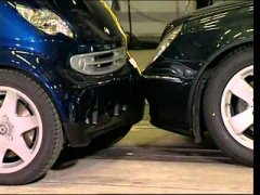 Mercedes E-Class - CRASH TEST