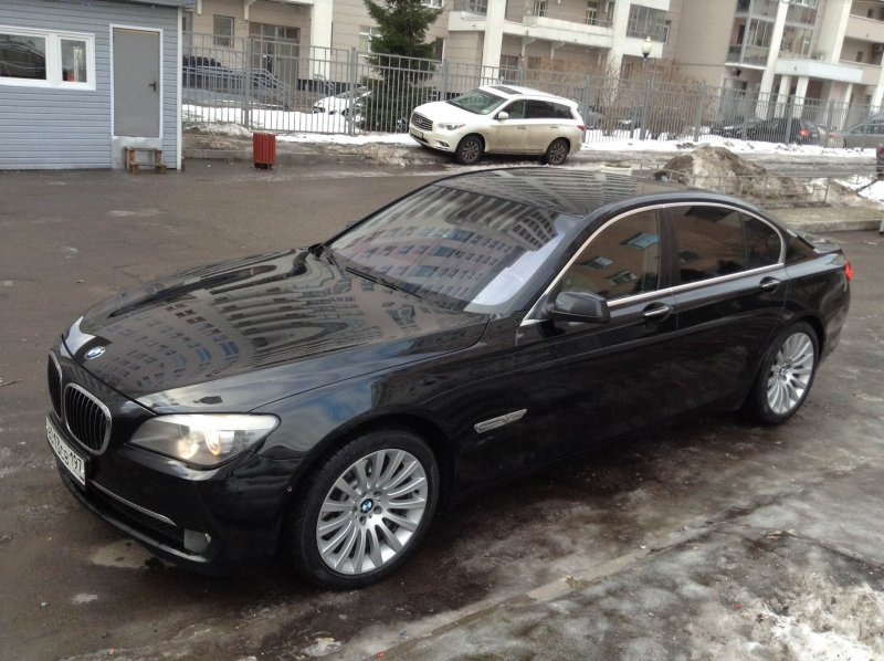 BMW 7-серия 2010