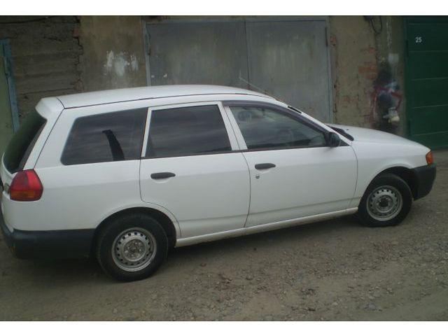 Nissan AD 2003