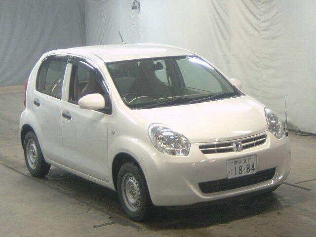 Toyota Passo 2011